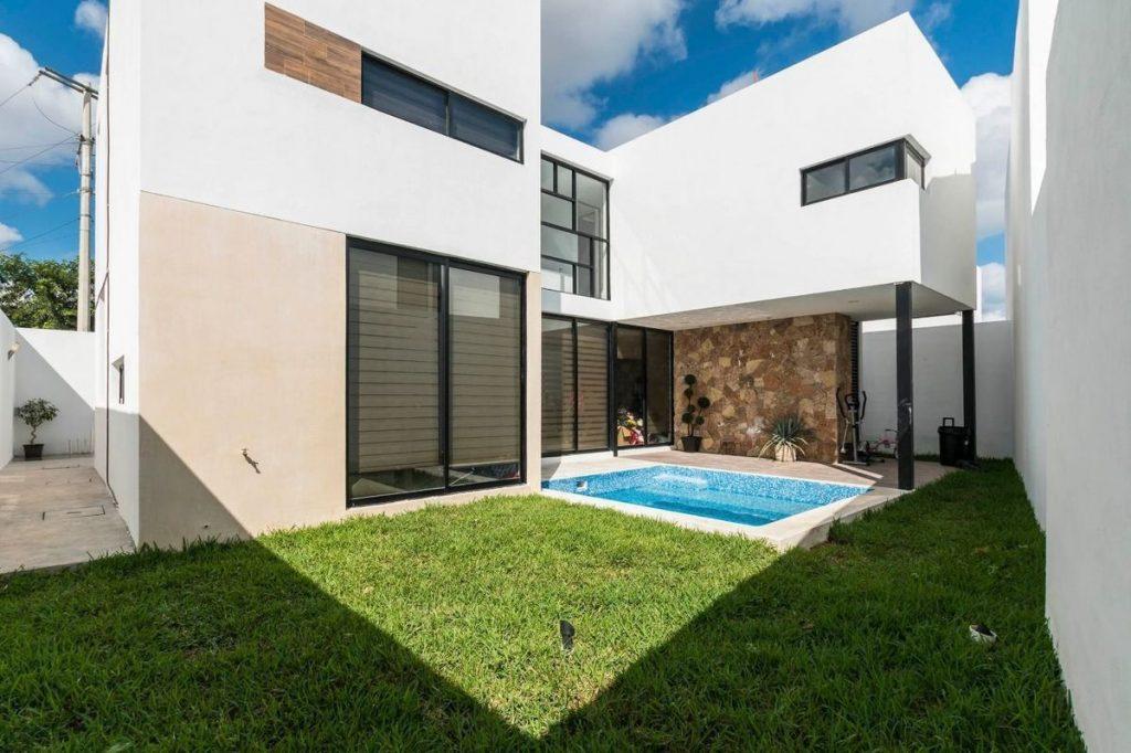 Casa en venta de México con patio y alberca