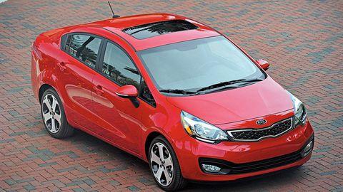 auto rojo desde arriba