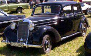auto Mercedes Benz clásico