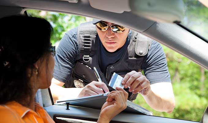 Sanción por conducir sin seguro