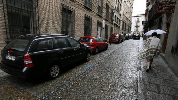 coche estacionado en la calle