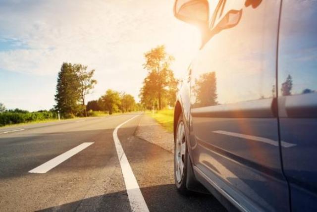 Prepara tu coche viejo para un viaje largo en carretera