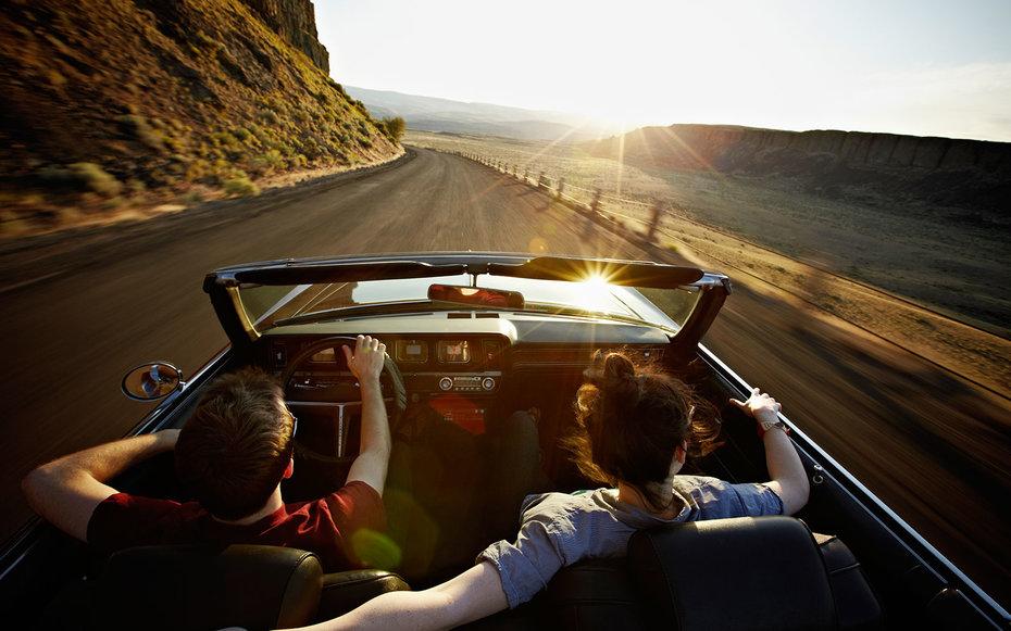 Jóvenes en la carretera
